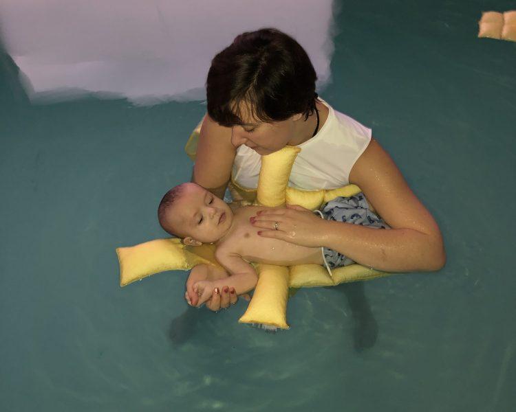 Ostéopathie Aquatique bébé - Technique Médiastin